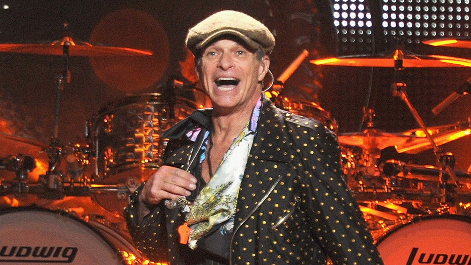 David Lee Roth announces retirement: 'I am throwing in the shoes'