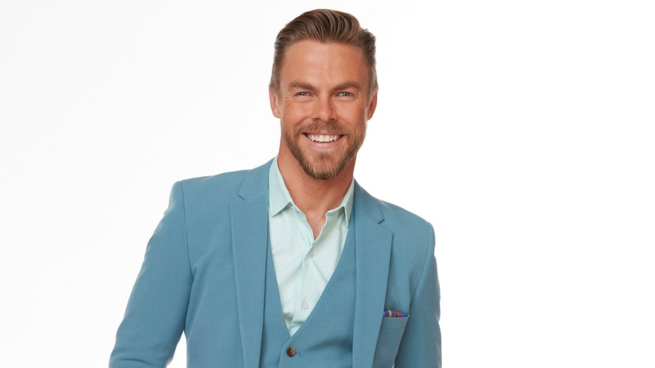 'Dancing with the Stars' judge Derek Hough sits out this week after possible coronavirus exposure