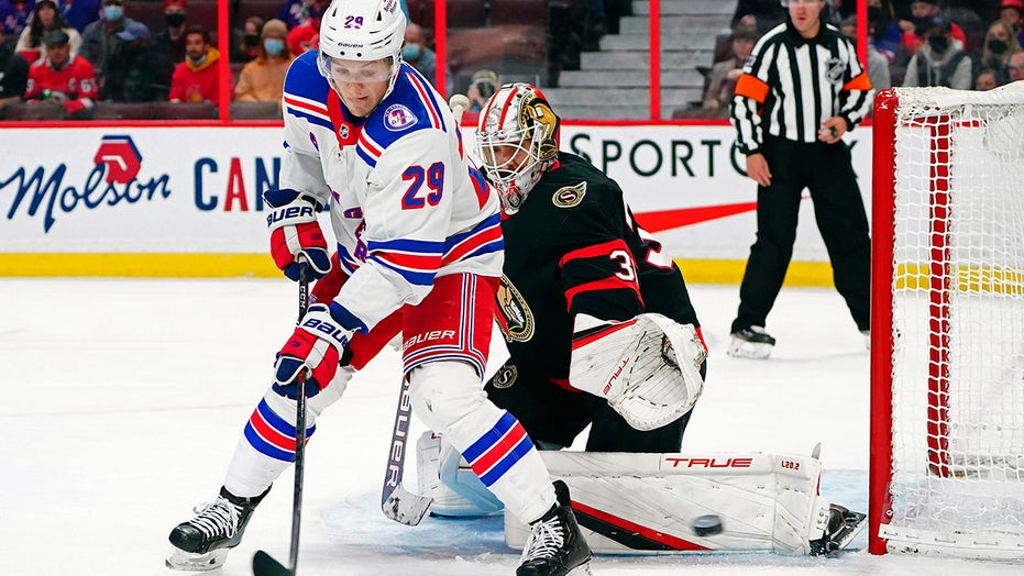 Rangers score 3 in final 6 minutes, rally past Sens 3-2