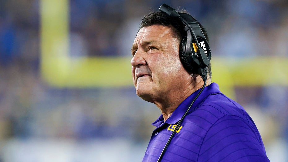LSU's Ed Orgeron: 'Our team's been on fire all week,' as injuries, his job status fan dumpster fire