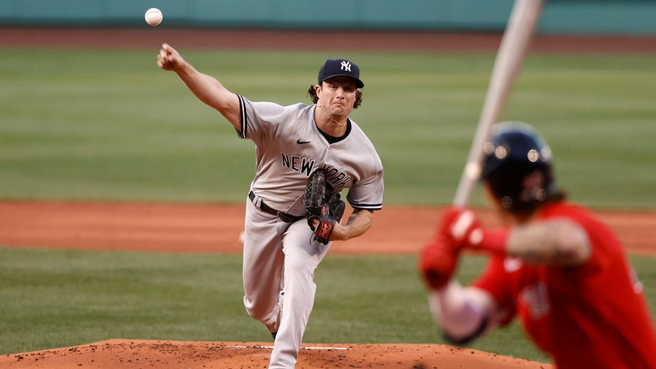 Yankees, Red Sox need late-game heroics to advance to AL wild-card game