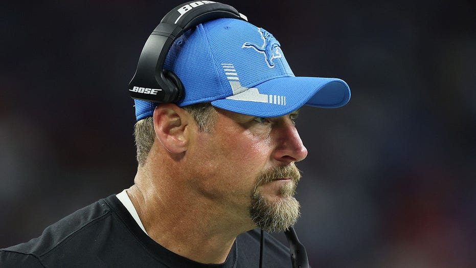 Lions' Dan Campbell sobs after heartbreaking loss to Vikings