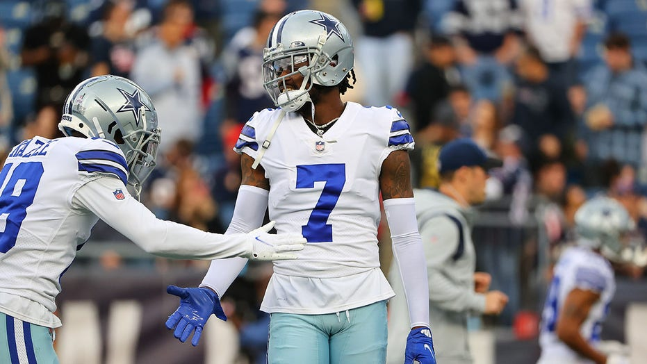 Cowboys' Trevon Diggs ties NFL record with 6th straight game with INT