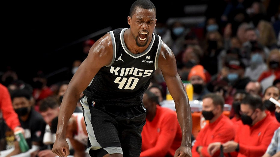 Barnes has 36 and the Kings spoil Portland's opener 124-121