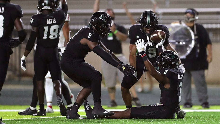 Hawaii INT at 2 preserves 27-24 win over No. 18 Fresno State