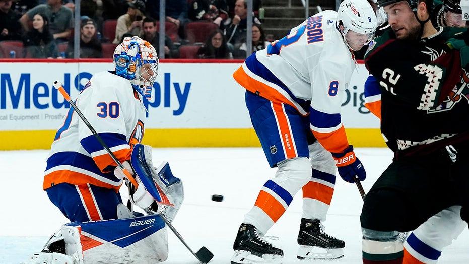 Sorokin stops 26 shots in Islanders' 3-0 win over Coyotes
