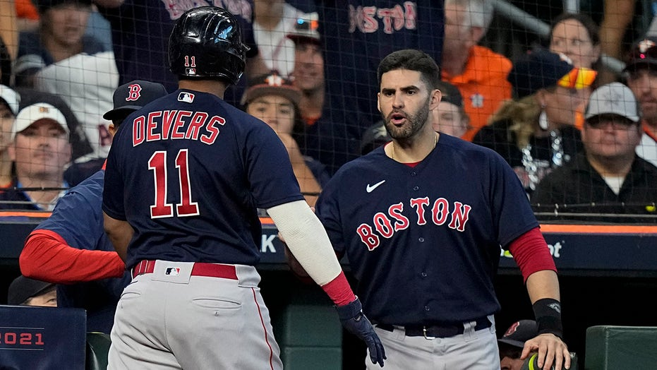 Pair of Red Sox slams make for grand Game 2 in Boston's win