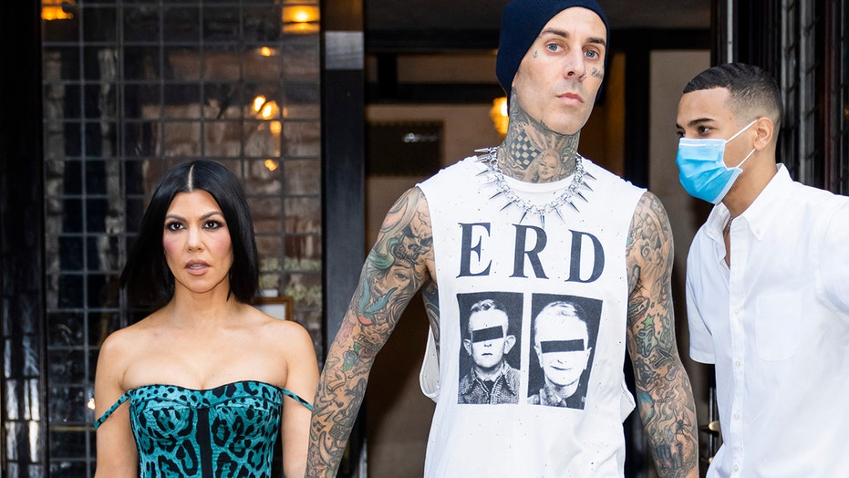 Kourtney Kardashian supports boyfriend Travis Barker at 'Saturday Night Live' after missing sister Kim's show