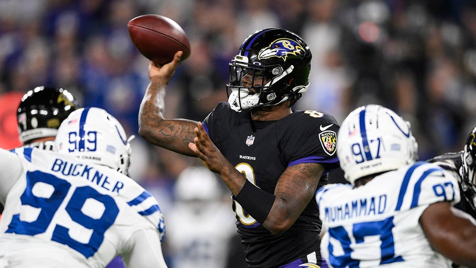 Lamar Jackson, Mark Andrews lead Ravens to incredible comeback win over Colts
