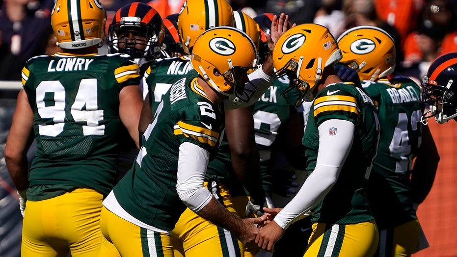 Packers unveil new 1950s throwback uniforms to wear in Week 7