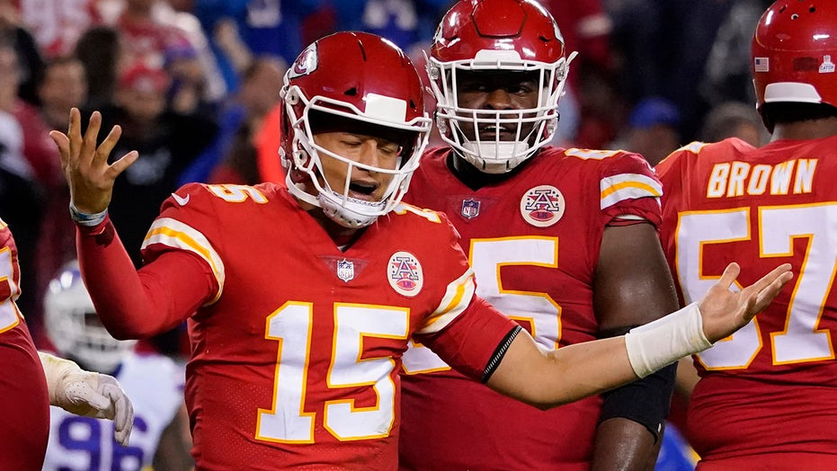 Clay Travis, Todd Fuhrman talk struggling Chiefs' Super Bowl odds