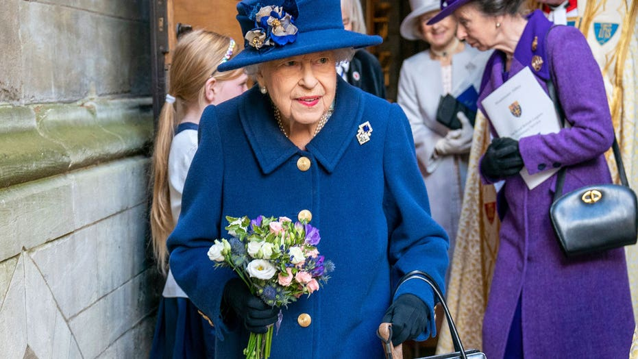 Queen Elizabeth cancels trip to Ireland on the advice of medical team