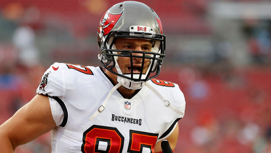 Bucs' Rob Gronkowski unlikely to play against Patriots: reports