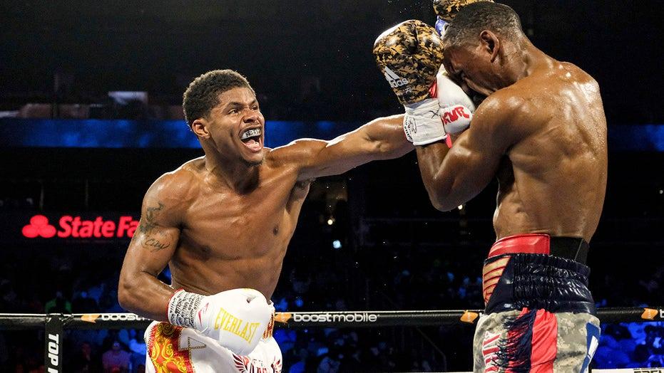 Shakur Stevenson jabs way to 10th-round TKO over Herring