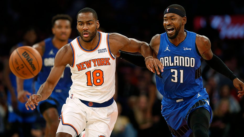 Ross' 22-point 4th quarter leads Magic over Knicks 110-104