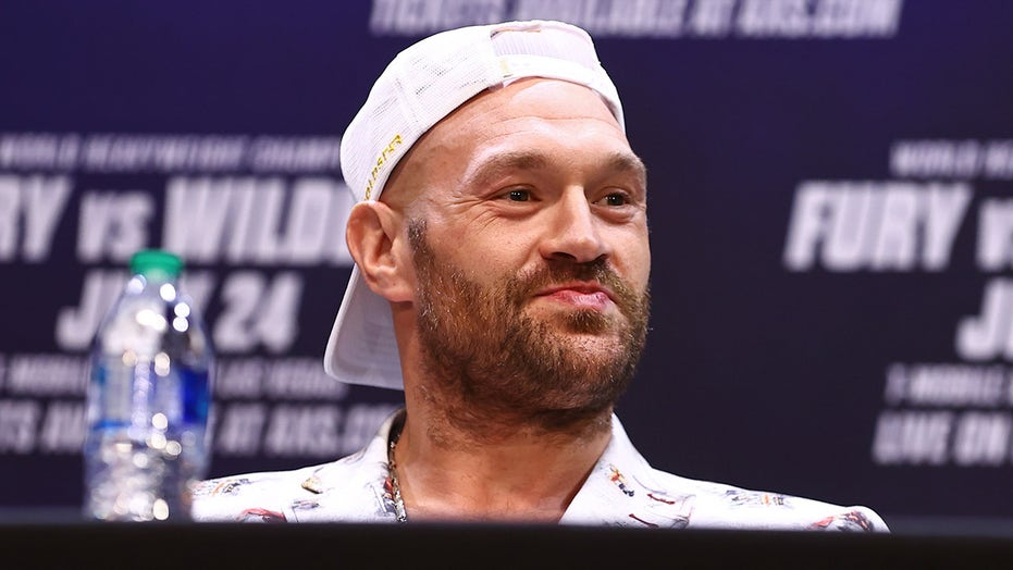 Tyson Fury receives simple request from WWE legend Undertaker before Deontay Wilder fight