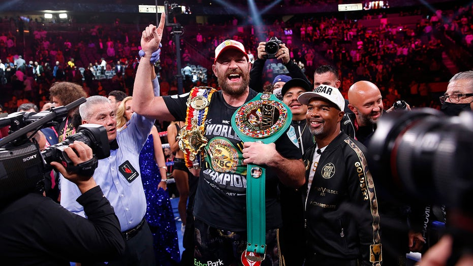 Tyson Fury serenades Las Vegas crowd after knockout win over Deontay Wilder