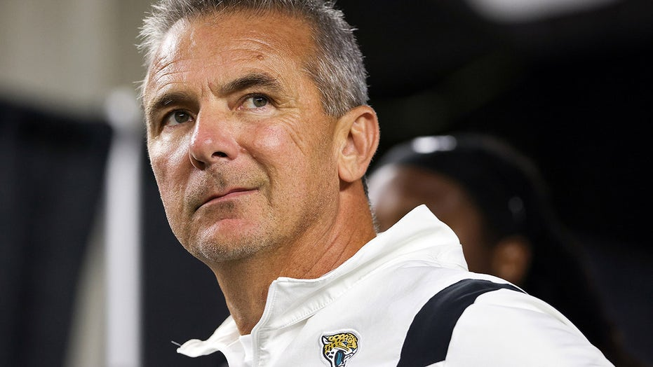 Urban Meyer, Jaguars situation has reached a 'crisis point'