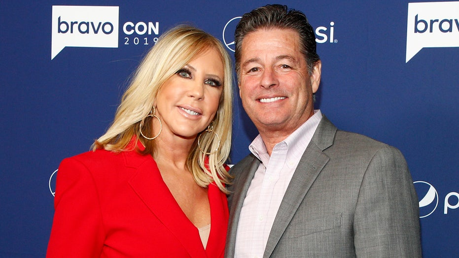 'RHOC' alum Vicki Gunvalson accuses ex-fiancé of cheating: 'No Christian man would do what he's done'
