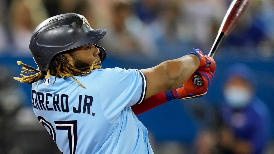Blue Jays rout Orioles but get no help, miss playoffs