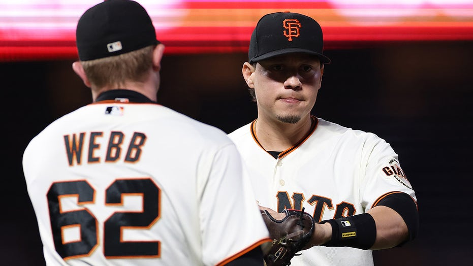 Wilmer Flores strikeout to end Giants' season in NLDS causes controversy