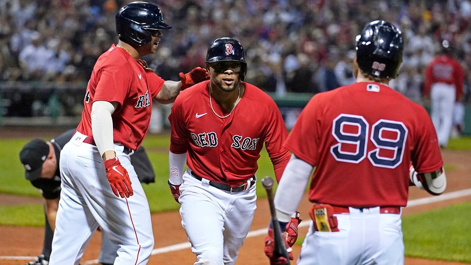 Xander Bogaerts, Kyle Schwarber home runs lift Red Sox over Yankees in AL wild-card game