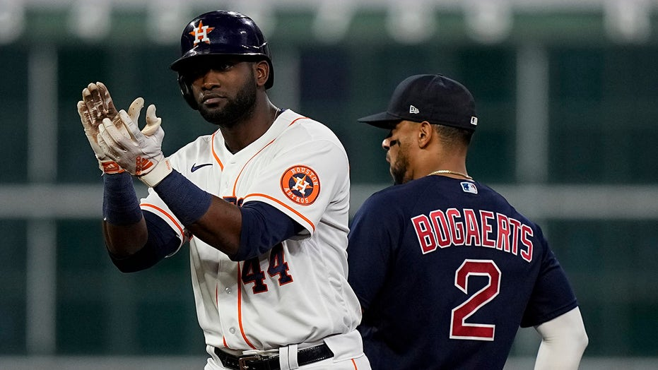 Astros knock out Red Sox to advance to World Series behind clutch hitting, masterful pitching