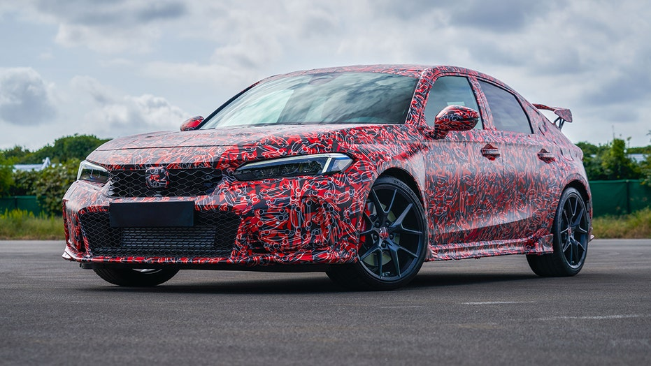 It looks like the Honda Civic Type R wants its Nurburgring record back