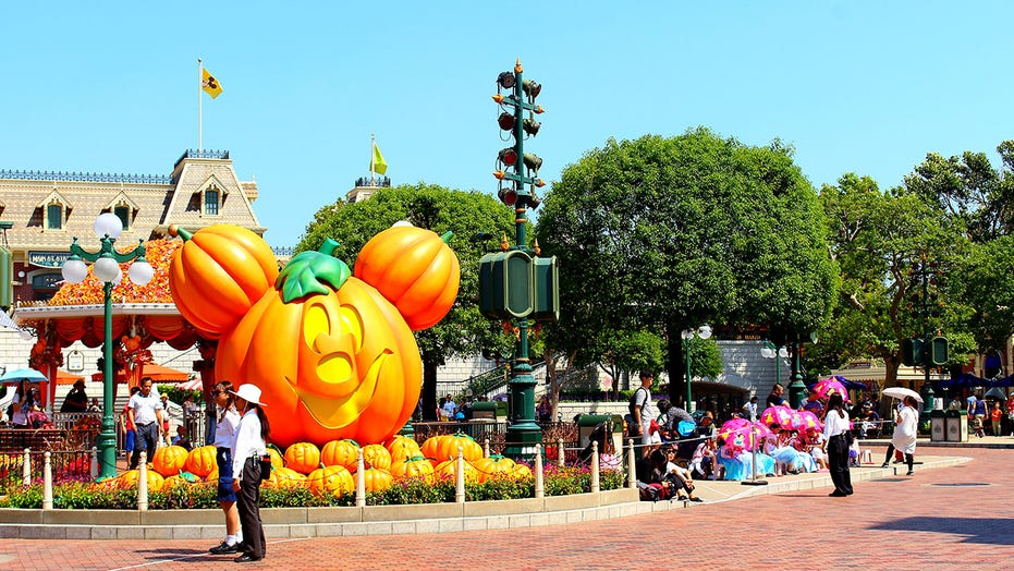 Halloween returns to major theme parks during pandemic: Here's what's happening
