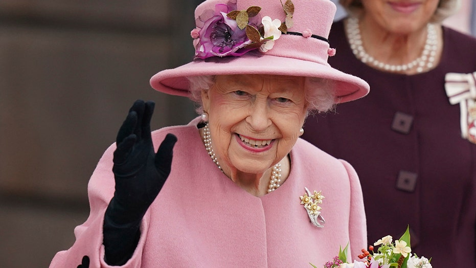 Queen Elizabeth on climate change: HM appears to criticize global inaction in off-mic comments
