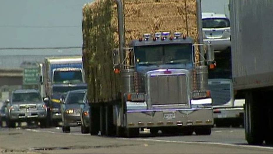 Feds Regulate Trucking Emissions for First Time