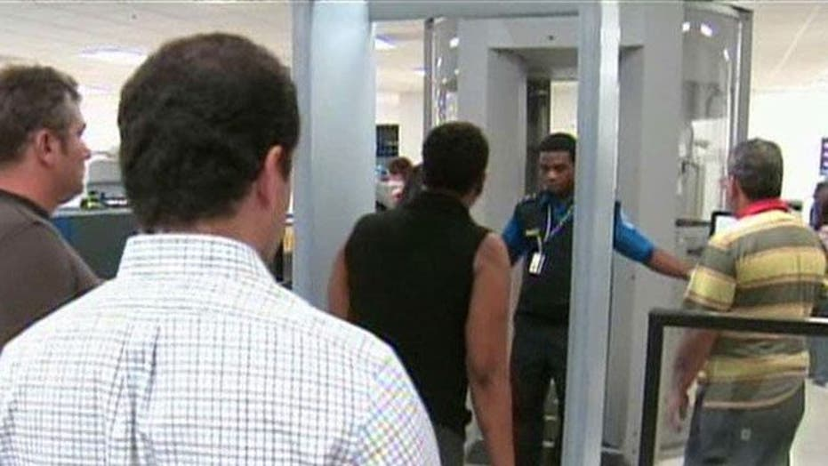 Report: TSA supervisor fails to report possible pipe bombs