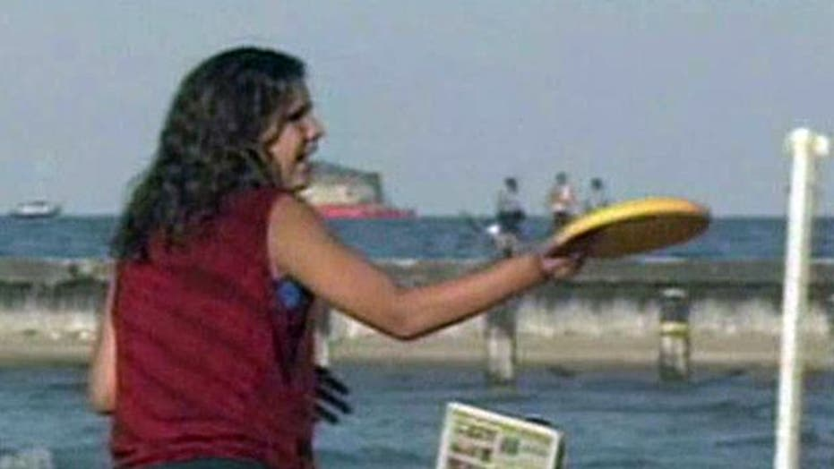 Frisbees, footballs banned from LA beaches