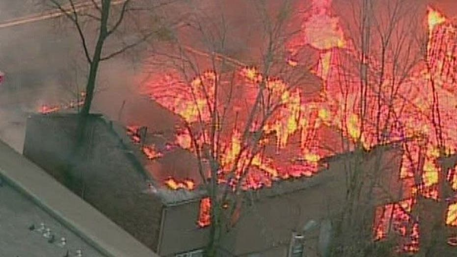 Fast-moving fire ravages apartments in Atlanta