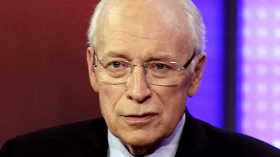Dick Cheney undergoes successful heart transplant surgery