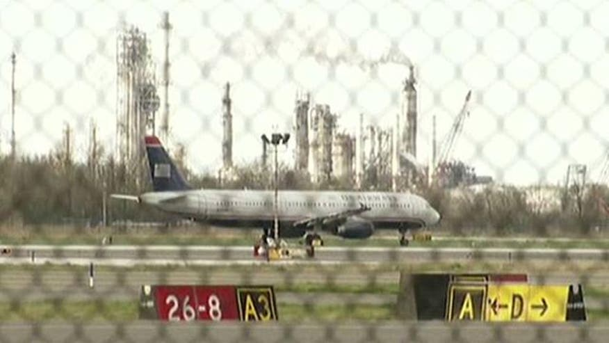Report: Man tries to board flight with explosives