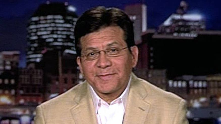 Former attorney general Alberto Gonzales gives insight on delicate tightrope Holder walked in president's controversy