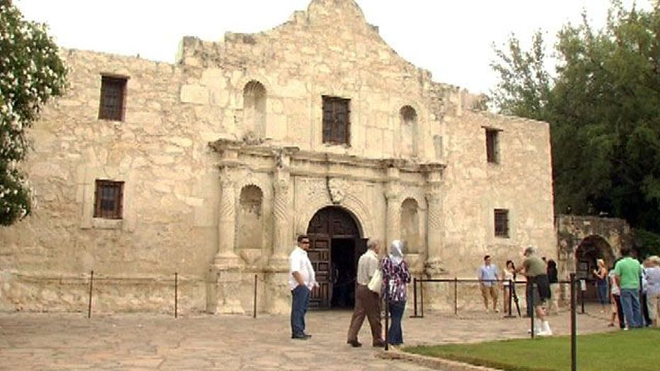 21-year-old urinates on the wall of The Alamo