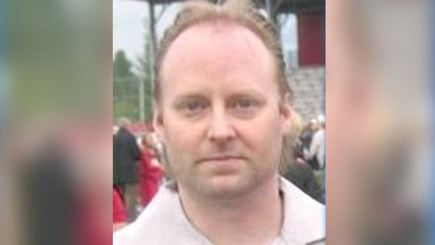 Authorities search for Washington husband after family, pets found dead