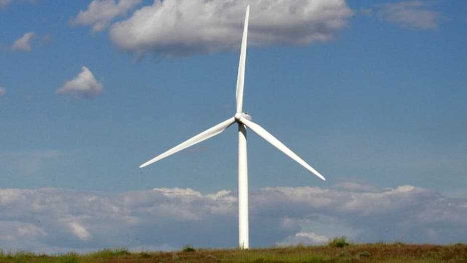 Battle over extending tax breaks for wind energy producers