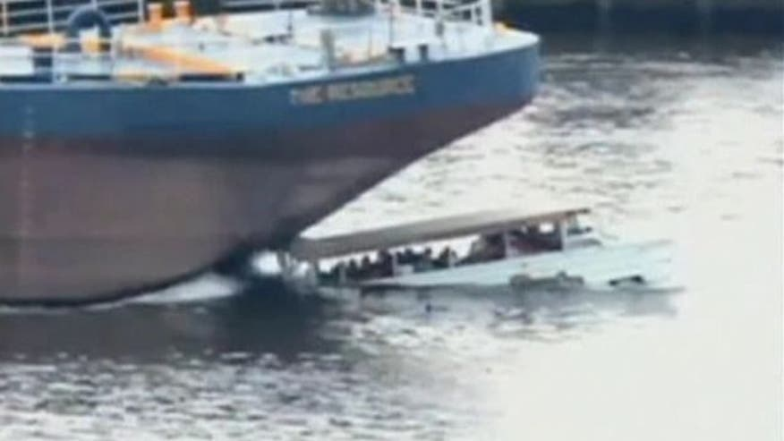 New footage shows 2010 crash in Philadelphia involving barge and tour boat