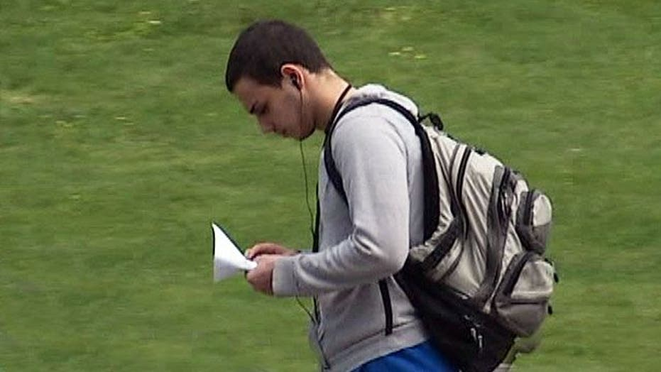 Texting while walking banned in New Jersey
