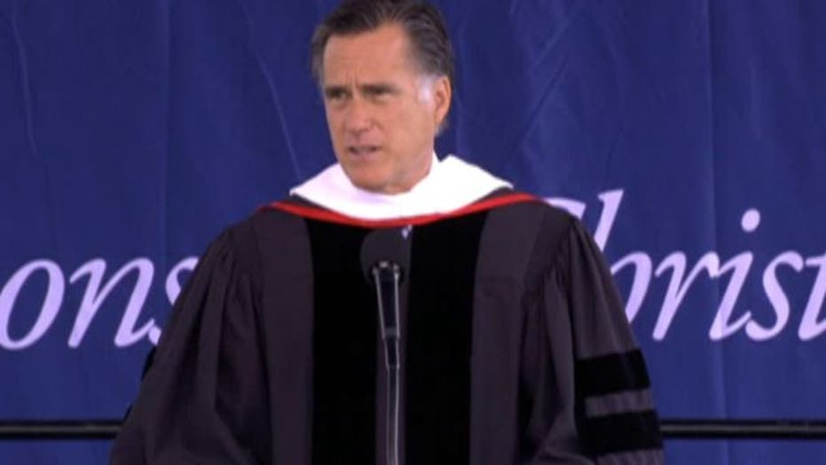 Romney delivers Liberty University's commencement address