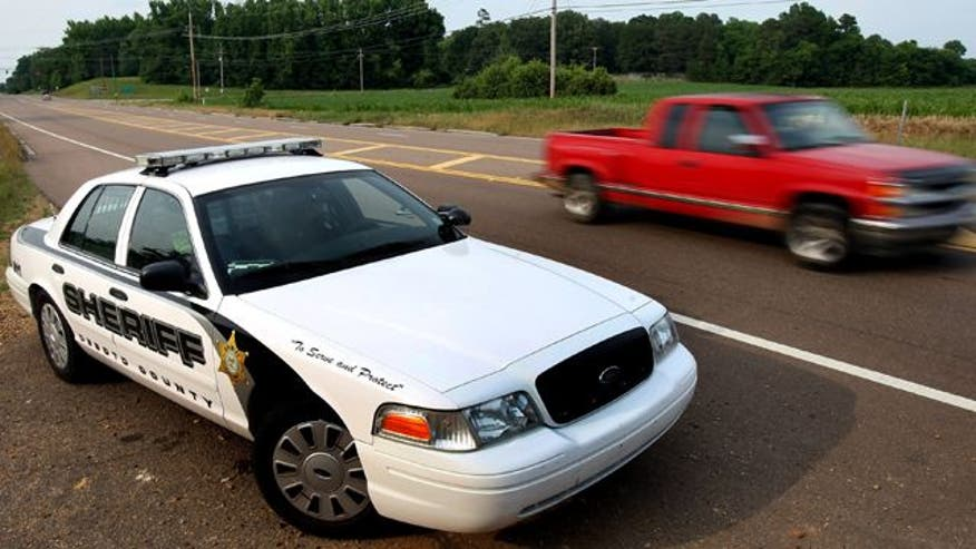 Police investigating shootings on rural Mississippi interstate