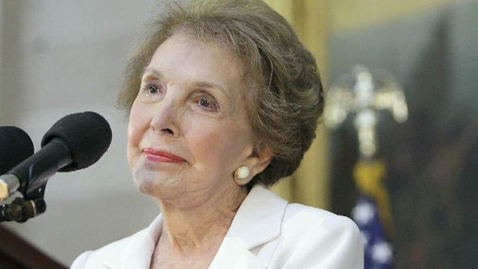 Nancy Reagan recovering after breaking ribs