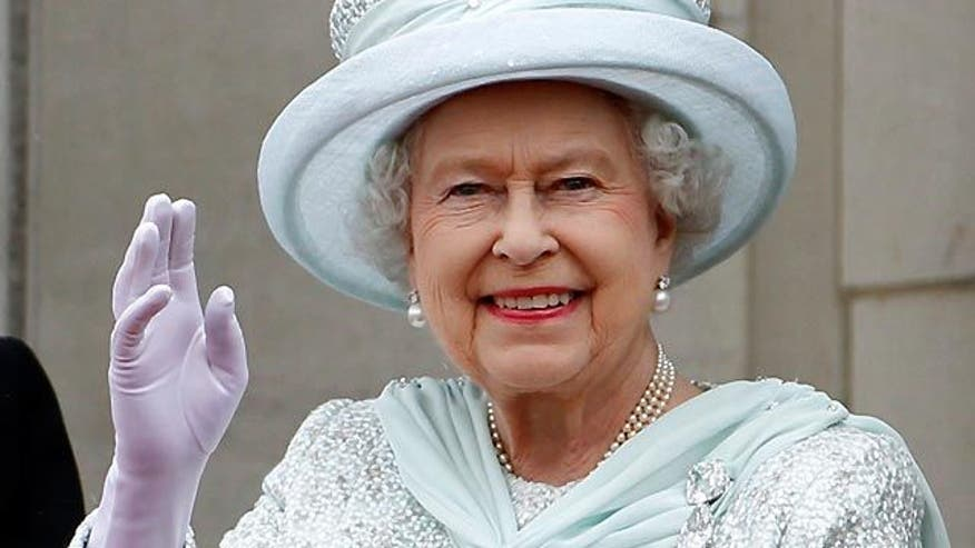 Public goes gaga for Queen's jubilee