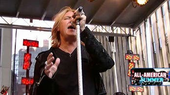 Joe Elliott: Def Leppard and Taylor Swift have a lot in common