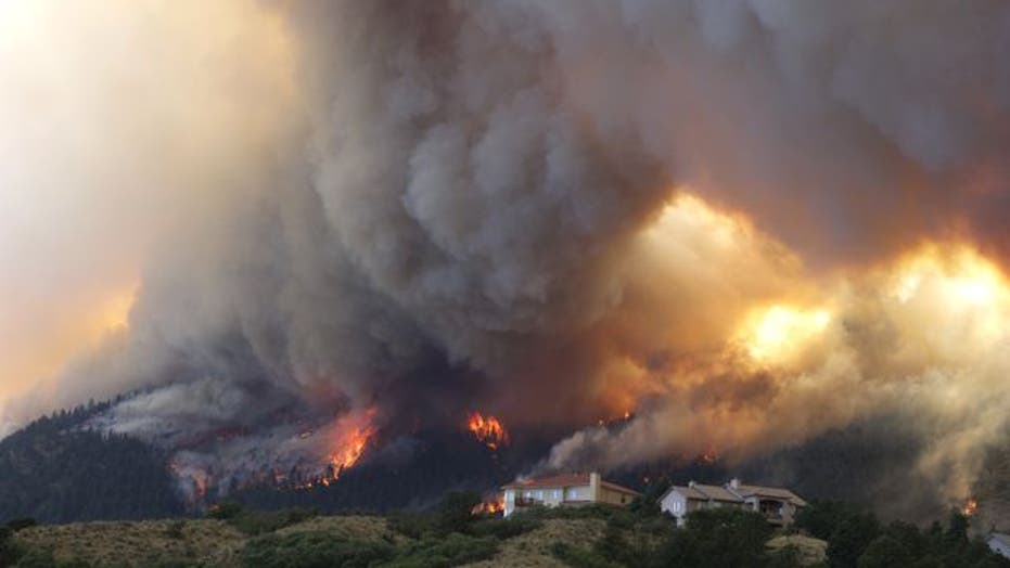 32,000 trying to escape wildfire in Colorado
