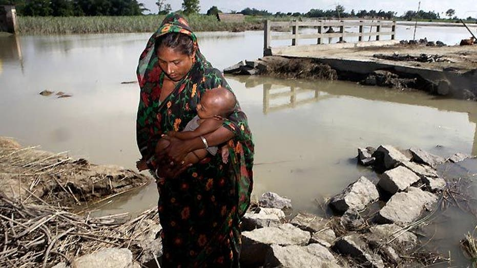 Around the World: Monsoon triggers flooding in India