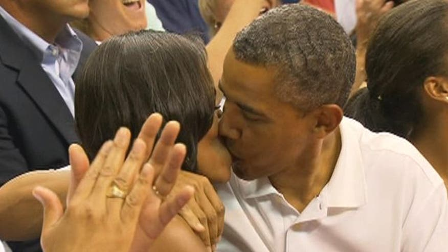 Raw video: President and first lady become center of attention at USA basketball game in D.C.